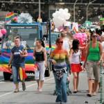 Lesben und Schwule beim jährlichen Christopher Street Day (CSD), Sozialpolitik