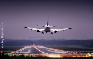 Flugzeug Anflug 470