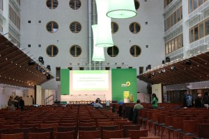 Noch vor zehn Uhr füllt sich die Halle langsam. Um 11.00 Uhr geht es los, es wird sicher voll