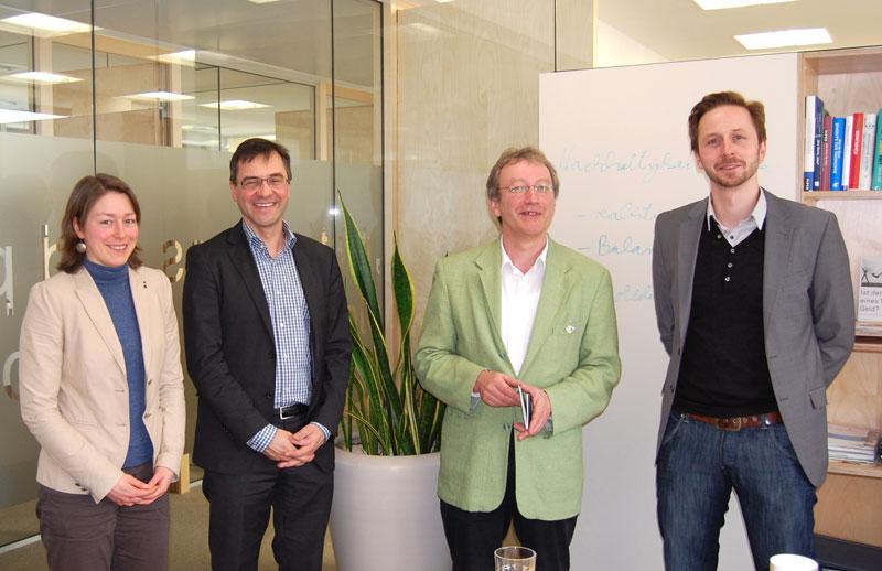 Gesprächstermin bei der Triodos Bank. Von links: Maren Weber, Georg Schürmann, Jochen Ruoff und Matthias Münz